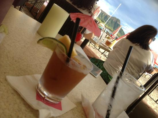 The Royal Hawaiian, a Luxury Collection Resort: The historical Mai Tai drink and BAR