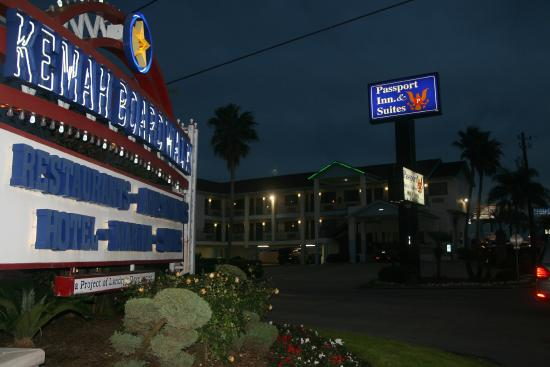 Passport Inn and Suites Hotel