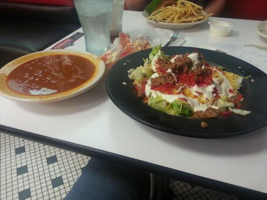 Chili and Taco Salad at Steak 'n Shake Plainfield - Picture of Steak ...