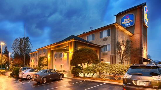 Photo of BEST WESTERN PLUS Cascade Inn & Suites Troutdale