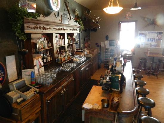 """Coleman, Καναδάς: The historic bar from the broadway musical """"Showboat"""""""