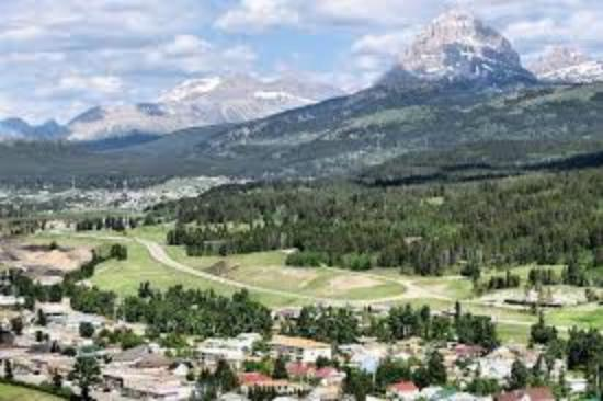 """Coleman, Καναδάς: Situated in the beautiful """"Crowsnest Pass"""""""
