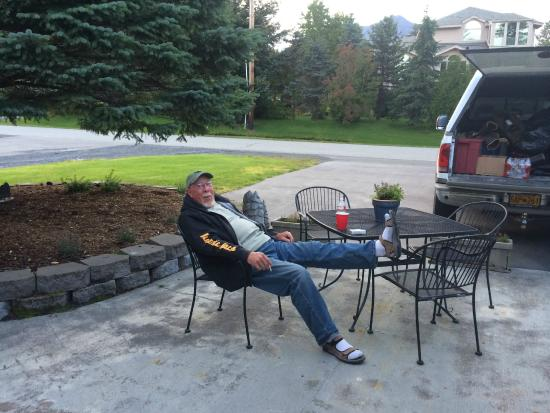 Bear's Den B&B and Lodging: Hanging out!