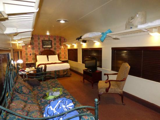 restored train cars picture of chattanooga choo choo. Black Bedroom Furniture Sets. Home Design Ideas