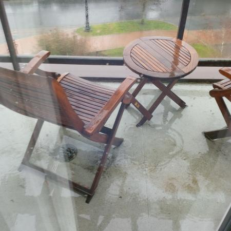 Langford, Canada: Trapped water on the balcony - blocked drain