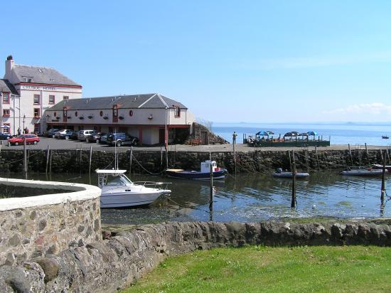 Photo of Crusoe Hotel Leven