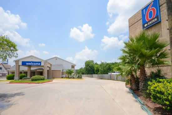 Photo of Motel 6 Houston East - Baytown