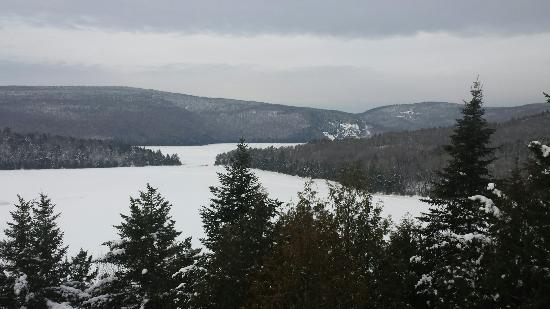 Gorgeous picture of laurentian mountains montreal for Laurentian mountains cabin rental