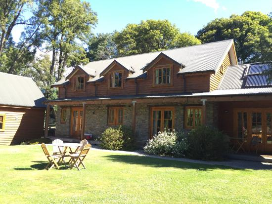 Wanaka Homestead Lodge and Cottages: The courtyard