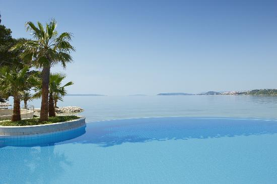 Le Meridien Lav Split: Outdoor infinity pool