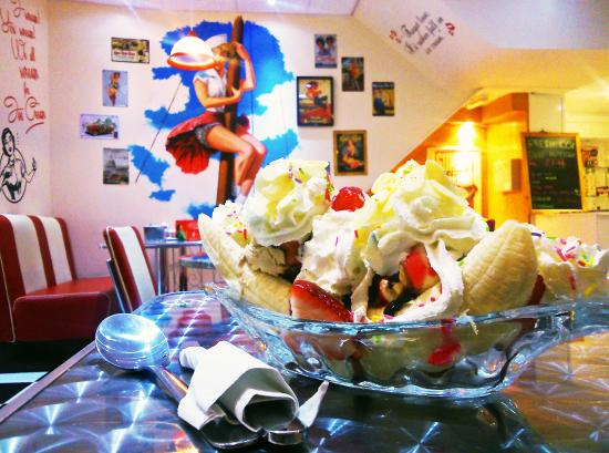 ice cream sundaes and waffles! - Picture of Lickety Lick Ice Cream ...