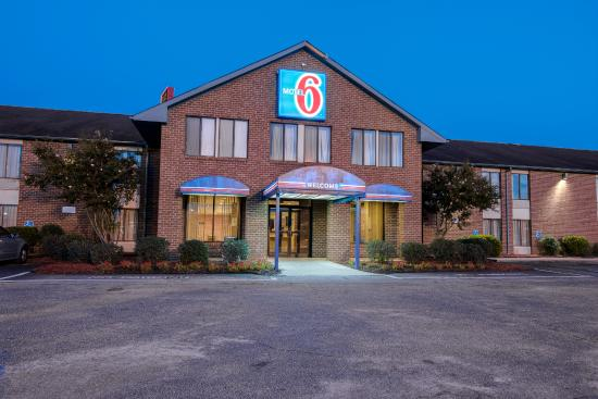 Photo of Motel 6 Roanoke Rapids