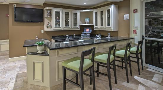 Hilton Garden Inn Huntsville/Space Center: The Garden Bar & Grille
