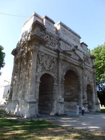 Kyriad Orange Centre: Roman Arc de Triomphe