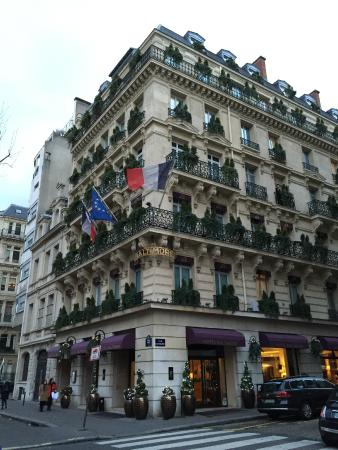 H tel picture of hotel baltimore paris champs elysees for Hotel baltimore paris