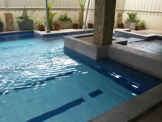 Jacuzzi With Broken Water Heater Picture Of Tagaytay Haven Hotel Mendez Tagaytay Tripadvisor