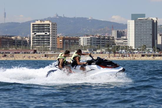 Fun on the water photo de barcelona jet ski barcelone for Appart city lausanne