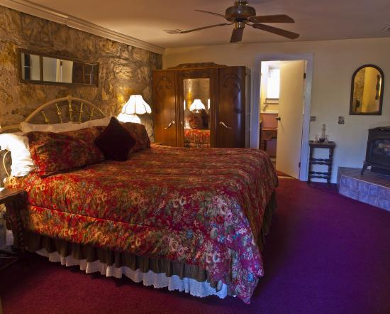 Photo of Shady Oaks Country Inn St. Helena