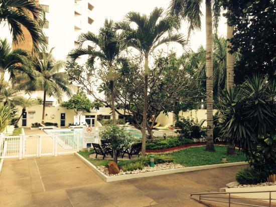pool mit kleiner garten picture of novotel abidjan abidjan tripadvisor. Black Bedroom Furniture Sets. Home Design Ideas