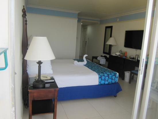Sunset Beach Resort, Spa & Water Park: Our Room