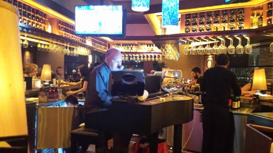 Piano player at the bar - Picture of Seasons 52, Sarasota ...