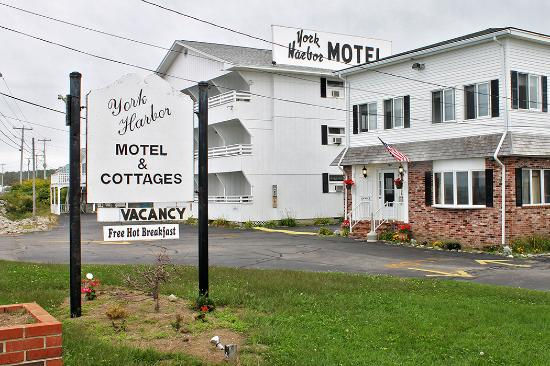 ‪York Harbor Motel and Cottages‬