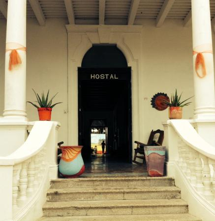 Hostal Zocalo Beach