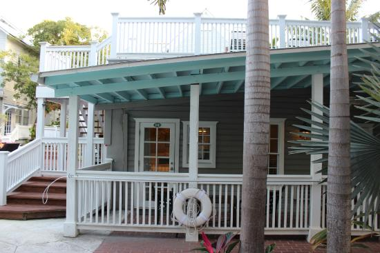 Entr e des chambres foto van chelsea house hotel in key for Chelsea pool garden key west
