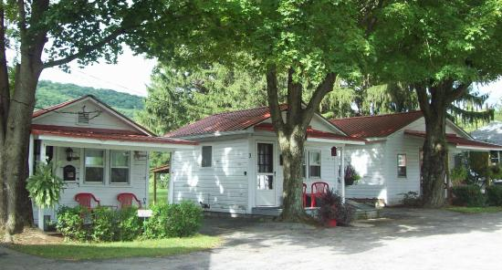 Schafer's Country Cottages