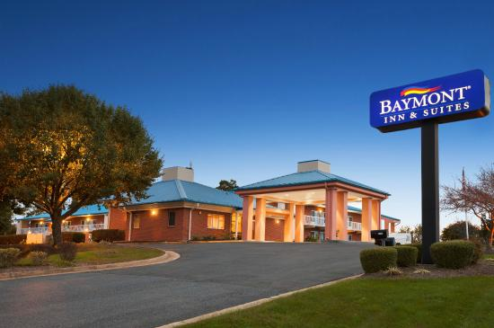 ‪Baymont Inn & Suites Warrenton‬