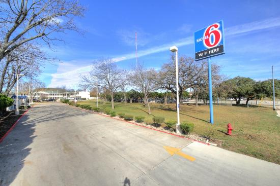 Photo of Motel 6 Kerrville