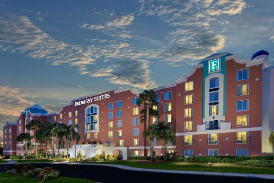 Embassy Suites Orlando - Lake Buena Vista Resort Photo