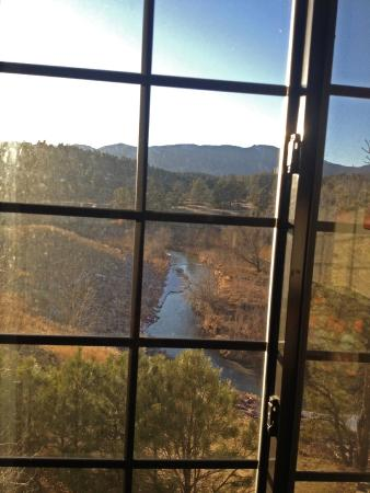 Staybridge Suites Colorado Springs: a Mountainview room view