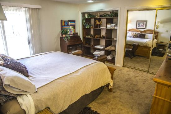king bed picture of canyon view condo st george