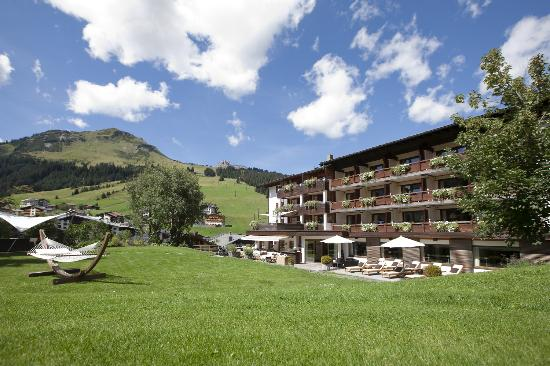 Photo of Hotel Berghof Lech