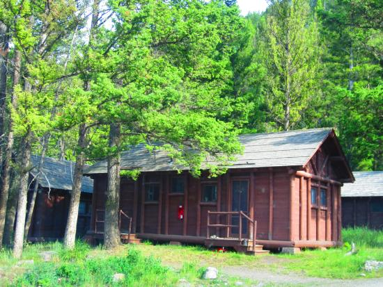 Yellowstone national park cabin rentals bing images for Cabin yellowstone park