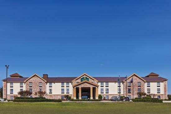 Photo of Comfort Inn & Suites Lake Texoma Denison