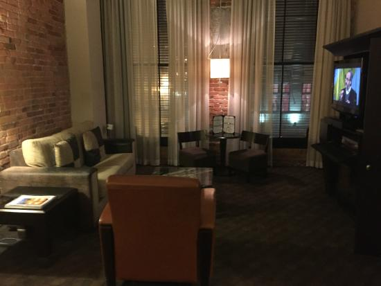 what does it look like picture of le place d 39 armes hotel suites montreal tripadvisor. Black Bedroom Furniture Sets. Home Design Ideas