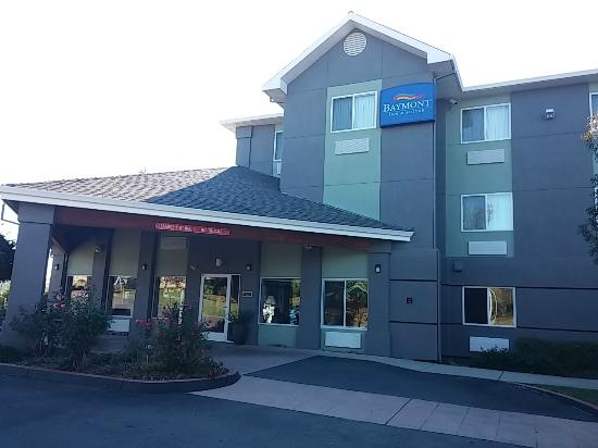 Baymont Inn & Suites Redding