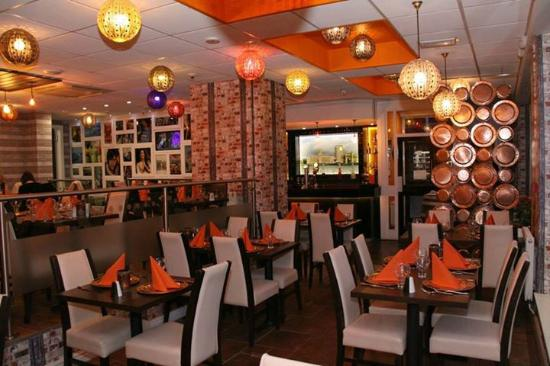 10 best restaurants near village hotel manchester cheadle for Table 52 restaurant gaborone