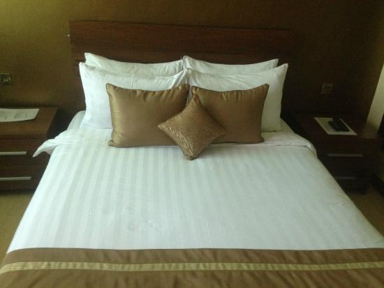 Summerdale Inn: Bed