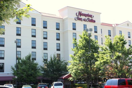 Mostly good review of hampton inn suites concord Concord mills mall aquarium