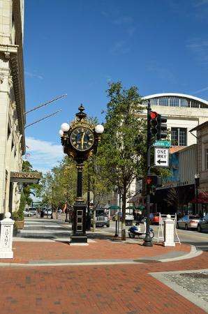 Greenleaf/Jacobs Clock
