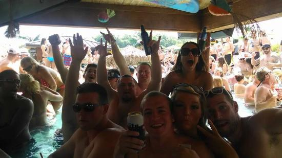 lake ozark girls Lake of the ozarks party cove in missouri gone wild pictures, videos, stories, live updates.