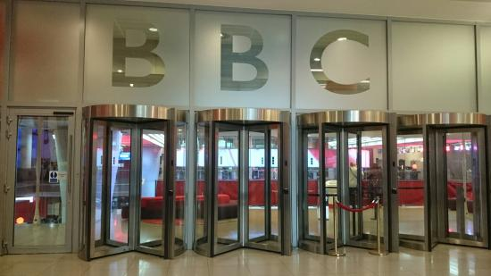 Inside the lobby picture of bbc broadcasting house for Bbc home designs