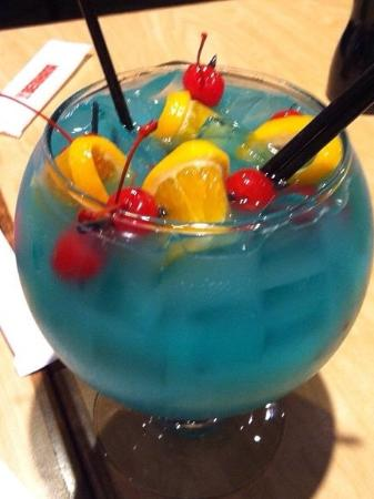The fish bowl drink picture of benihana manhasset for Fish bowls drinks