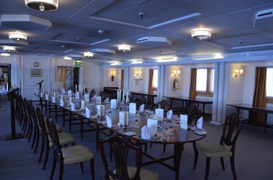 The Royal banquet table - Picture of Royal Yacht Britannia ...