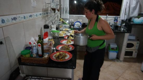 cocinando para los amigos picture of green haven hostel