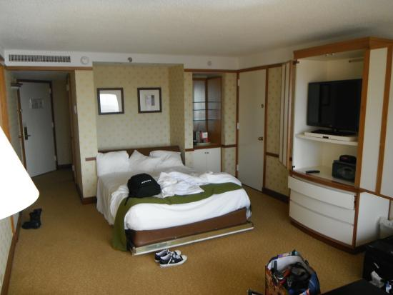 Murphy Beds Little Rock : Murphy bed and horrible view of tv picture bally s