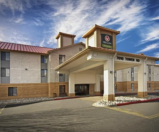 Photo of Holiday Inn Express Suites Airport Denver
